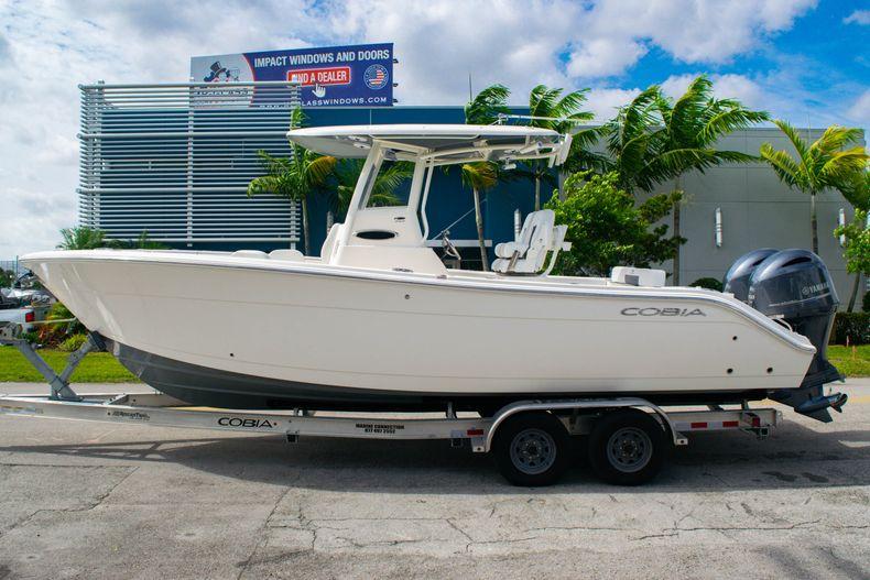 Thumbnail 4 for New 2020 Cobia 262 CC Center Console boat for sale in Miami, FL