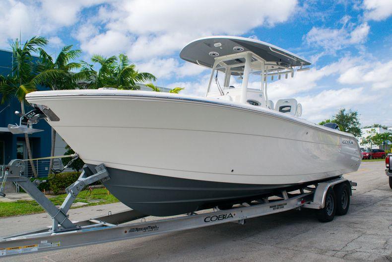 Thumbnail 3 for New 2020 Cobia 262 CC Center Console boat for sale in Miami, FL