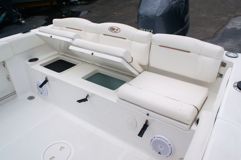 Thumbnail 11 for Used 2018 Sea Hunt Ultra 234 boat for sale in West Palm Beach, FL