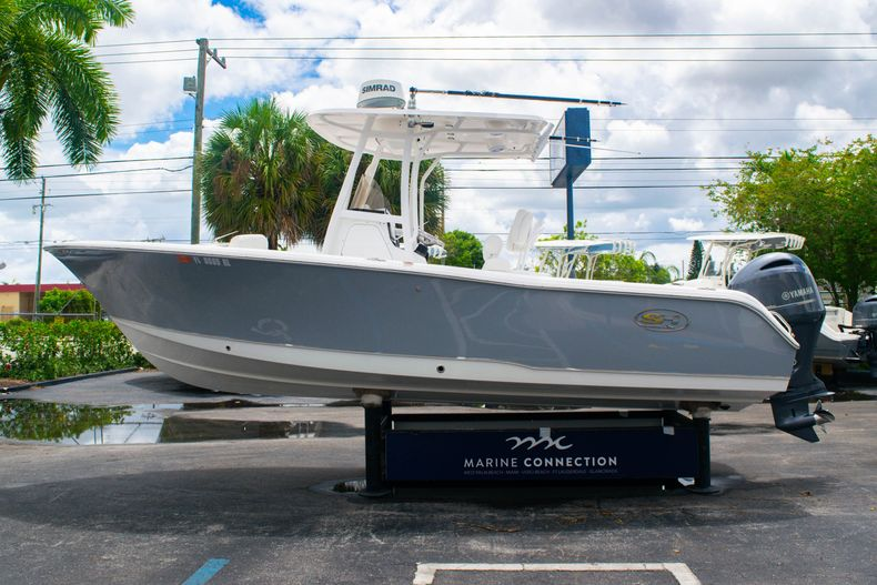 Thumbnail 4 for Used 2018 Sea Hunt Ultra 234 boat for sale in West Palm Beach, FL