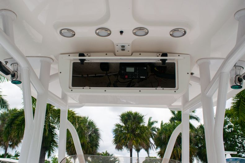 Thumbnail 19 for Used 2018 Sea Hunt Ultra 234 boat for sale in West Palm Beach, FL