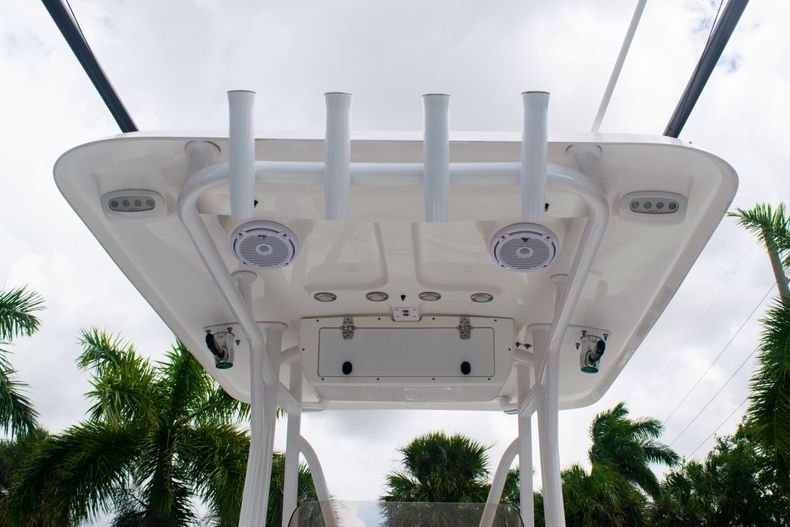 Thumbnail 18 for Used 2018 Sea Hunt Ultra 234 boat for sale in West Palm Beach, FL
