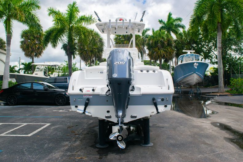 Thumbnail 6 for Used 2018 Sea Hunt Ultra 234 boat for sale in West Palm Beach, FL