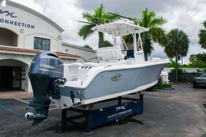 Thumbnail 7 for Used 2018 Sea Hunt Ultra 234 boat for sale in West Palm Beach, FL
