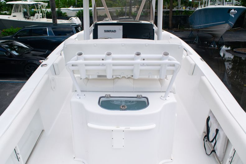 Thumbnail 14 for Used 2018 Sea Hunt Ultra 234 boat for sale in West Palm Beach, FL