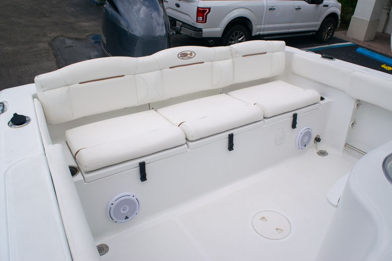 Thumbnail 9 for Used 2018 Sea Hunt Ultra 234 boat for sale in West Palm Beach, FL
