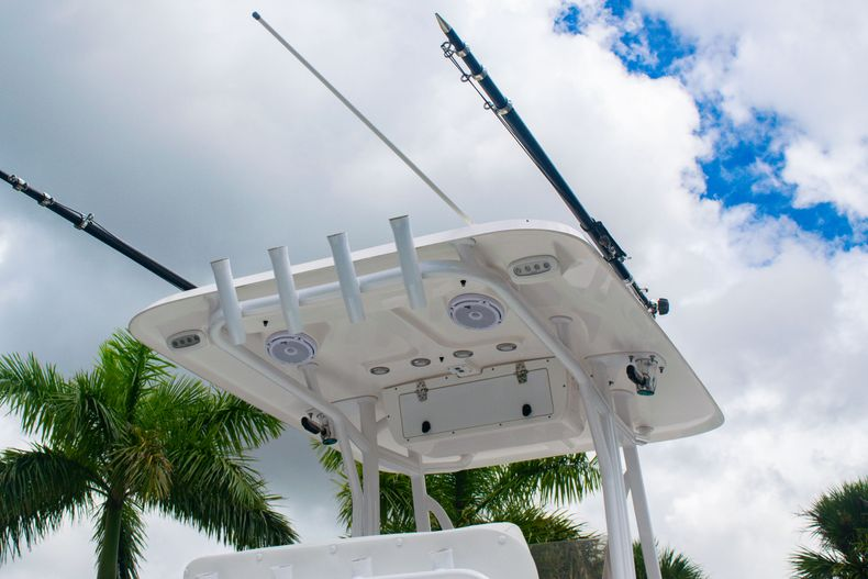 Thumbnail 8 for Used 2018 Sea Hunt Ultra 234 boat for sale in West Palm Beach, FL