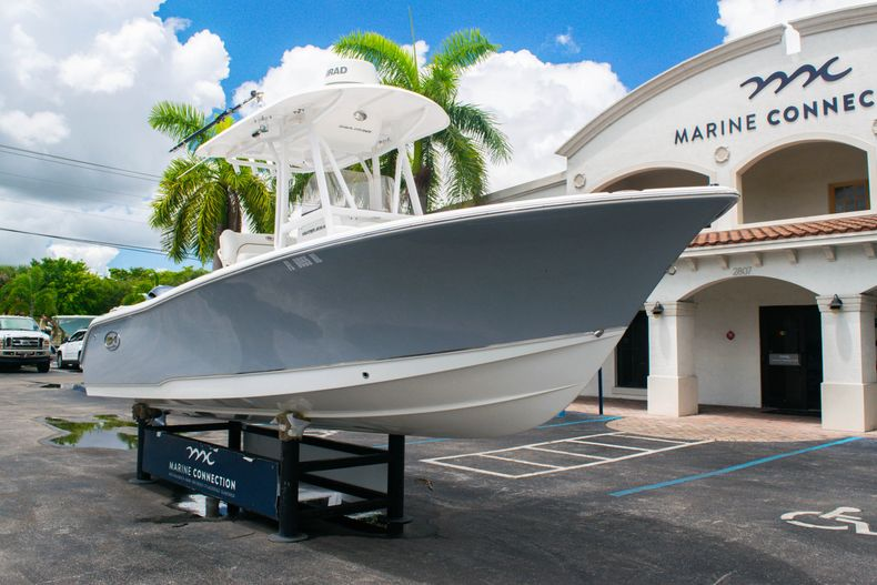 Thumbnail 1 for Used 2018 Sea Hunt Ultra 234 boat for sale in West Palm Beach, FL