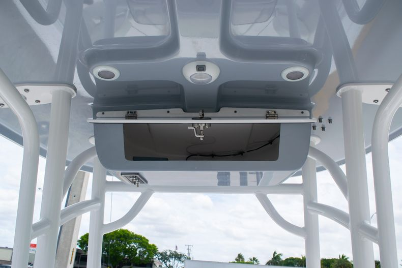 Thumbnail 16 for New 2020 Sportsman Open 232 Center Console boat for sale in Fort Lauderdale, FL
