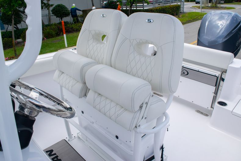 Thumbnail 17 for New 2020 Sportsman Open 232 Center Console boat for sale in Fort Lauderdale, FL