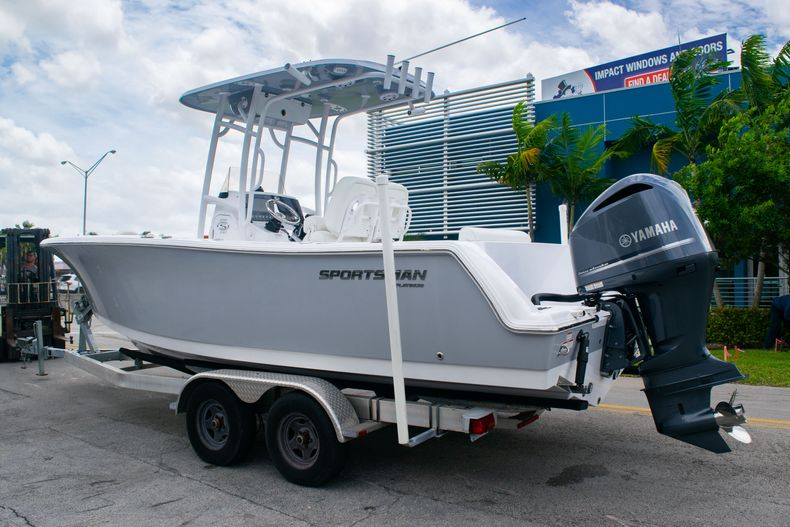 Thumbnail 4 for New 2020 Sportsman Open 232 Center Console boat for sale in Fort Lauderdale, FL