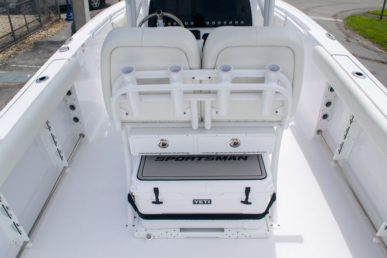 Thumbnail 7 for New 2020 Sportsman Open 232 Center Console boat for sale in Fort Lauderdale, FL