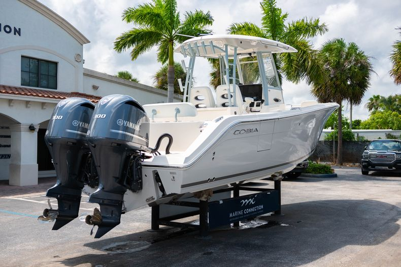 Thumbnail 7 for New 2020 Cobia 301 CC boat for sale in West Palm Beach, FL