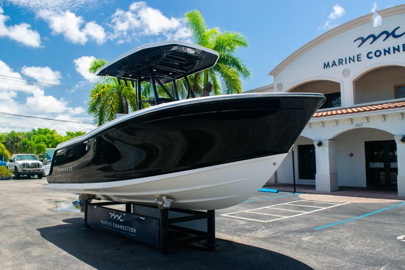 Thumbnail 1 for Used 2018 Blackfin 212CC Center Console boat for sale in West Palm Beach, FL