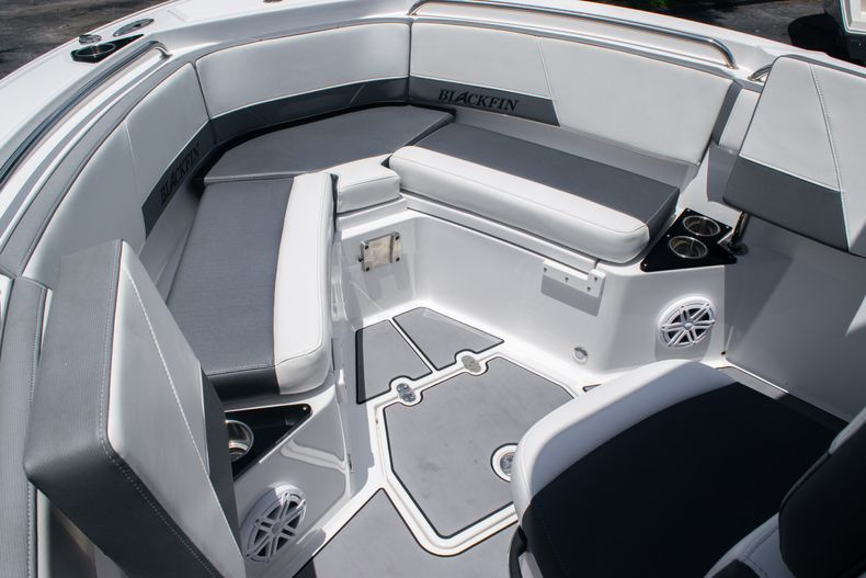 Thumbnail 38 for Used 2018 Blackfin 212CC Center Console boat for sale in West Palm Beach, FL