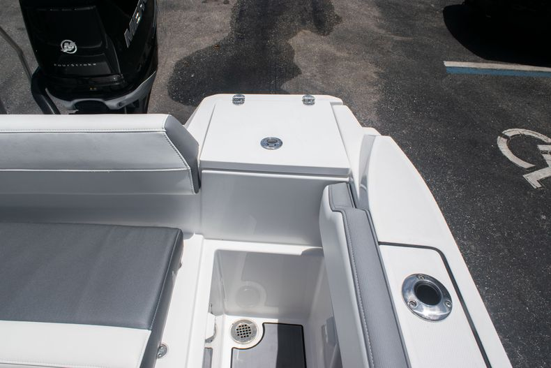 Thumbnail 14 for Used 2018 Blackfin 212CC Center Console boat for sale in West Palm Beach, FL
