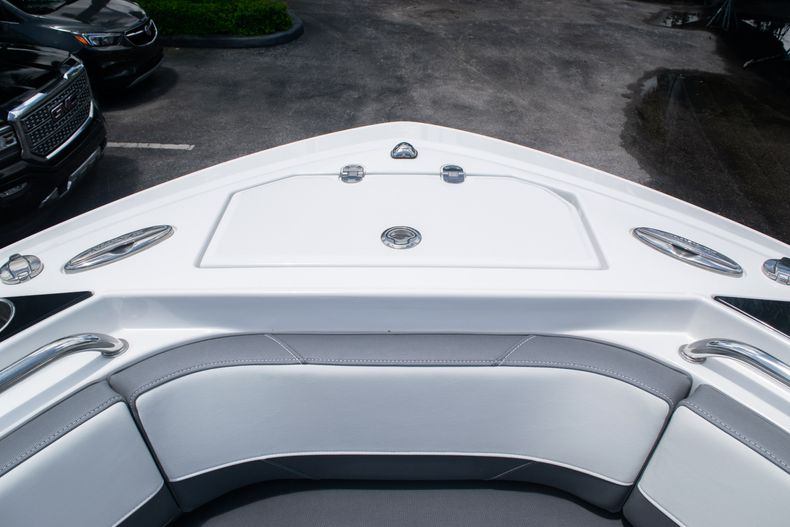 Thumbnail 43 for Used 2018 Blackfin 212CC Center Console boat for sale in West Palm Beach, FL