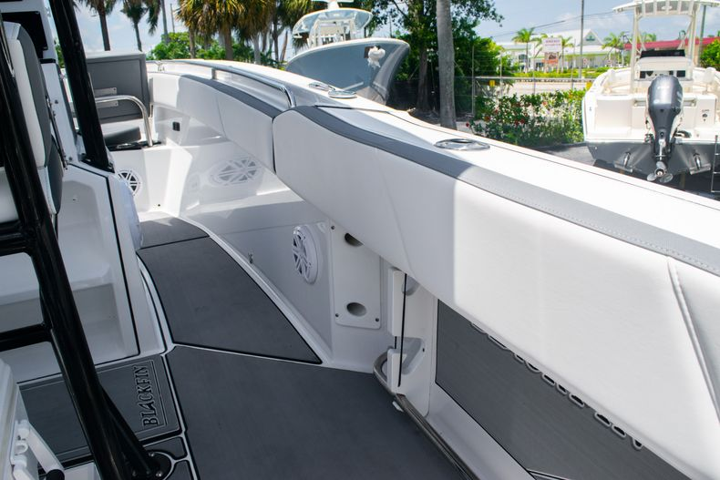 Thumbnail 31 for Used 2018 Blackfin 212CC Center Console boat for sale in West Palm Beach, FL
