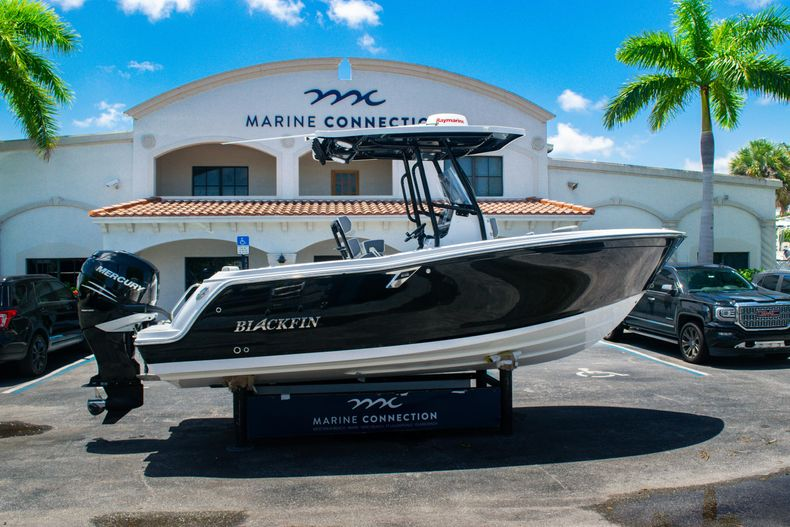 Used 2018 Blackfin 212CC Center Console boat for sale in West Palm Beach, FL