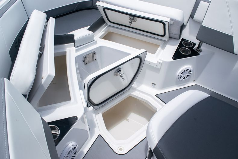 Thumbnail 42 for Used 2018 Blackfin 212CC Center Console boat for sale in West Palm Beach, FL