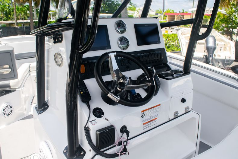 Thumbnail 28 for Used 2018 Blackfin 212CC Center Console boat for sale in West Palm Beach, FL