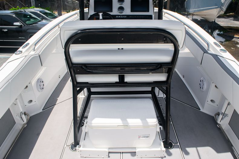 Thumbnail 16 for Used 2018 Blackfin 212CC Center Console boat for sale in West Palm Beach, FL