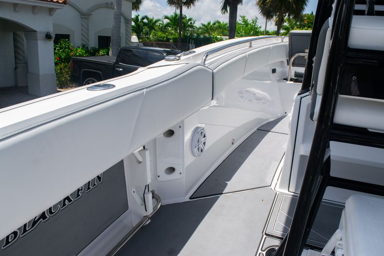 Thumbnail 32 for Used 2018 Blackfin 212CC Center Console boat for sale in West Palm Beach, FL