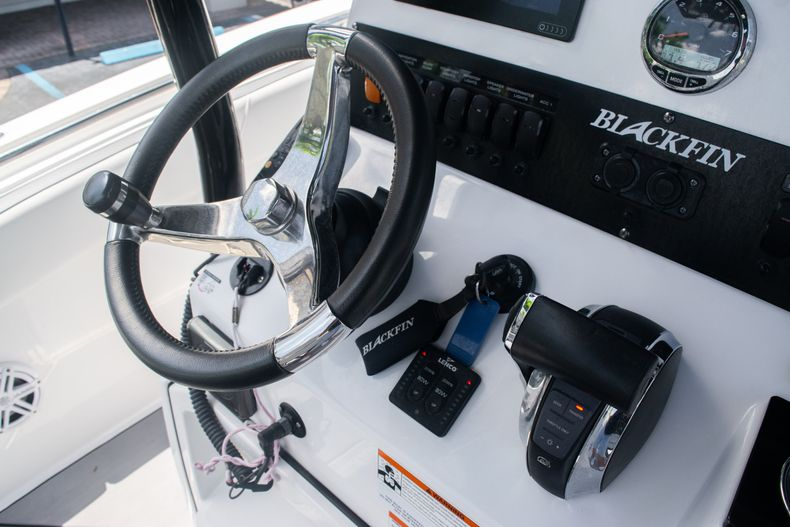 Thumbnail 25 for Used 2018 Blackfin 212CC Center Console boat for sale in West Palm Beach, FL