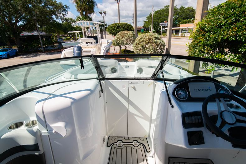 Thumbnail 23 for New 2020 Hurricane SD 2400 OB boat for sale in Vero Beach, FL
