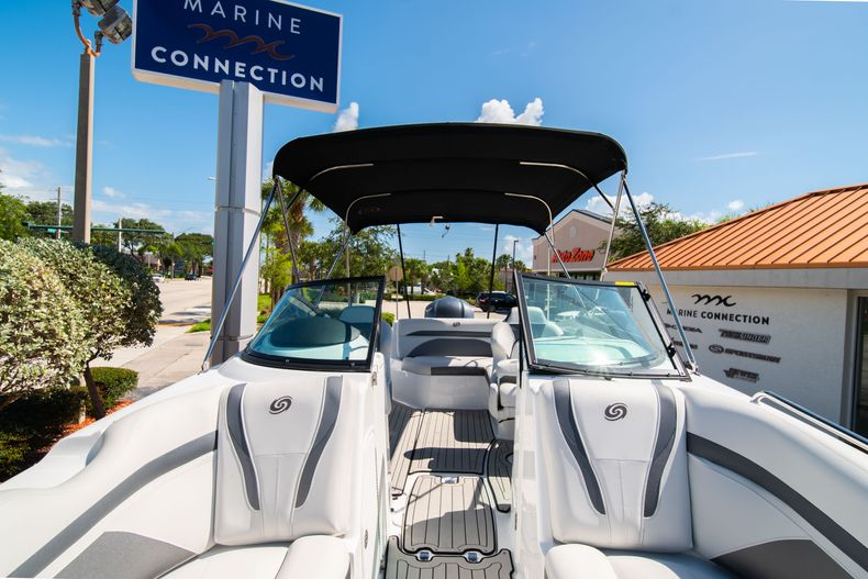 Thumbnail 30 for New 2020 Hurricane SD 2400 OB boat for sale in Vero Beach, FL