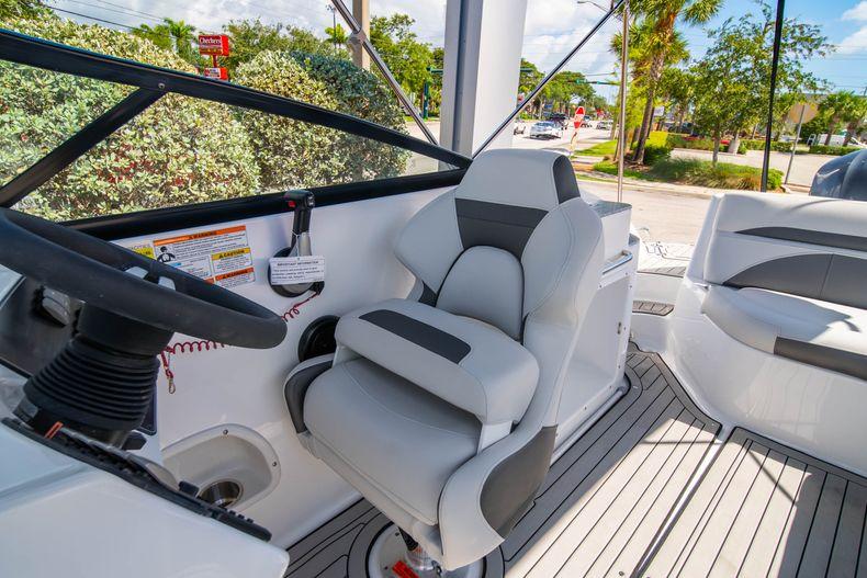 Thumbnail 16 for New 2020 Hurricane SD 2400 OB boat for sale in Vero Beach, FL