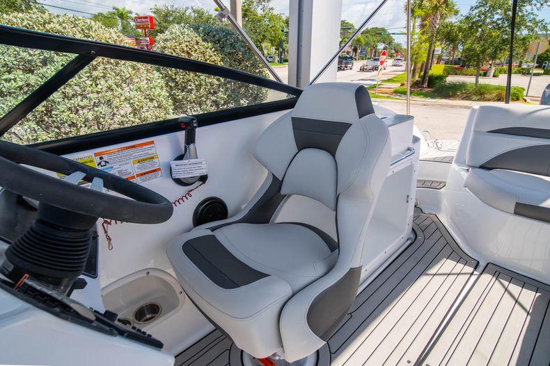 Thumbnail 17 for New 2020 Hurricane SD 2400 OB boat for sale in Vero Beach, FL