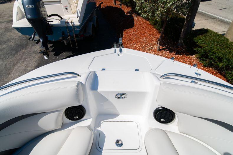 Thumbnail 28 for New 2020 Hurricane SD 2400 OB boat for sale in Vero Beach, FL