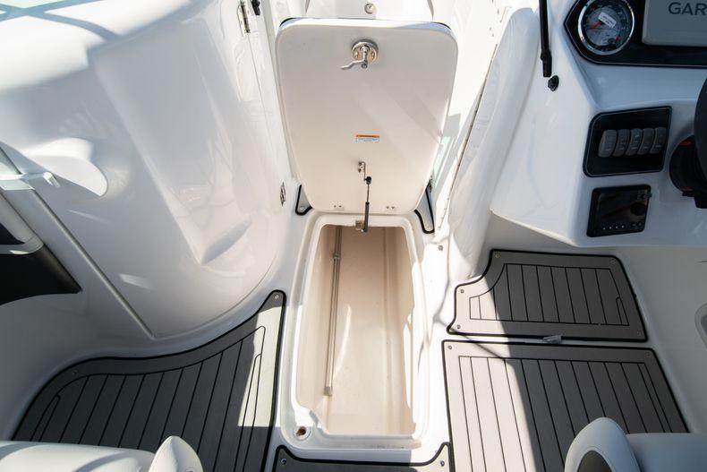Thumbnail 21 for New 2020 Hurricane SD 2400 OB boat for sale in Vero Beach, FL