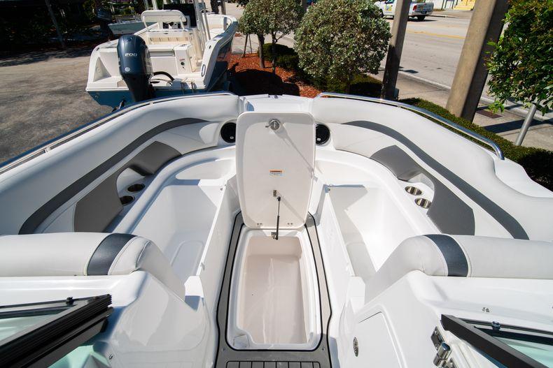 Thumbnail 27 for New 2020 Hurricane SD 2400 OB boat for sale in Vero Beach, FL