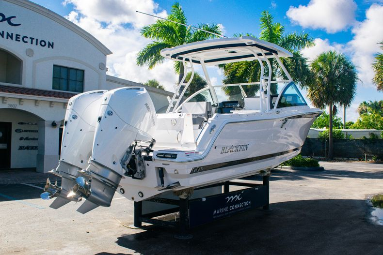 Thumbnail 7 for New 2020 Blackfin 242DC boat for sale in Fort Lauderdale, FL
