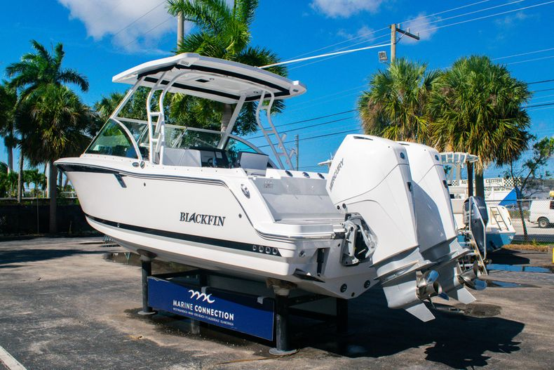 Thumbnail 5 for New 2020 Blackfin 242DC boat for sale in Fort Lauderdale, FL
