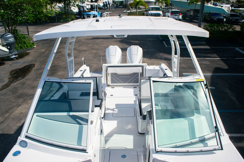 Thumbnail 44 for New 2020 Blackfin 242DC boat for sale in Fort Lauderdale, FL