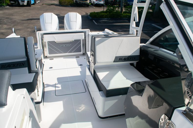 Thumbnail 45 for New 2020 Blackfin 242DC boat for sale in Fort Lauderdale, FL