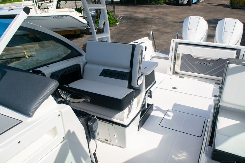 Thumbnail 46 for New 2020 Blackfin 242DC boat for sale in Fort Lauderdale, FL