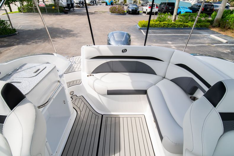 Thumbnail 11 for New 2020 Hurricane SD 2400 OB boat for sale in West Palm Beach, FL