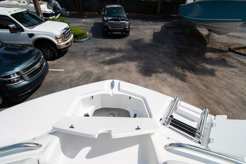 Thumbnail 27 for New 2020 Hurricane SD 2400 OB boat for sale in West Palm Beach, FL