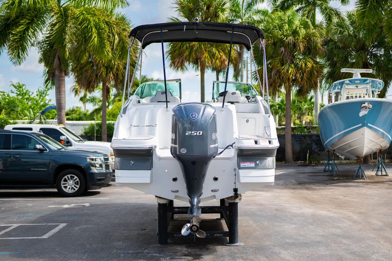 Thumbnail 6 for New 2020 Hurricane SD 2400 OB boat for sale in West Palm Beach, FL