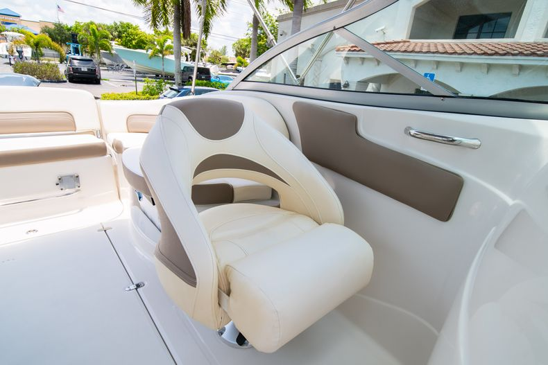 Thumbnail 39 for Used 2015 Southwind 2600SD Sportdeck boat for sale in West Palm Beach, FL