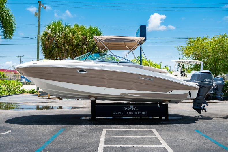 Thumbnail 6 for Used 2015 Southwind 2600SD Sportdeck boat for sale in West Palm Beach, FL