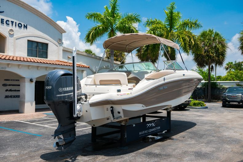 Thumbnail 10 for Used 2015 Southwind 2600SD Sportdeck boat for sale in West Palm Beach, FL