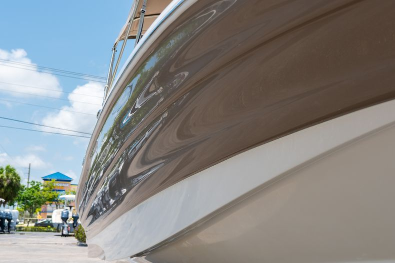 Thumbnail 2 for Used 2015 Southwind 2600SD Sportdeck boat for sale in West Palm Beach, FL