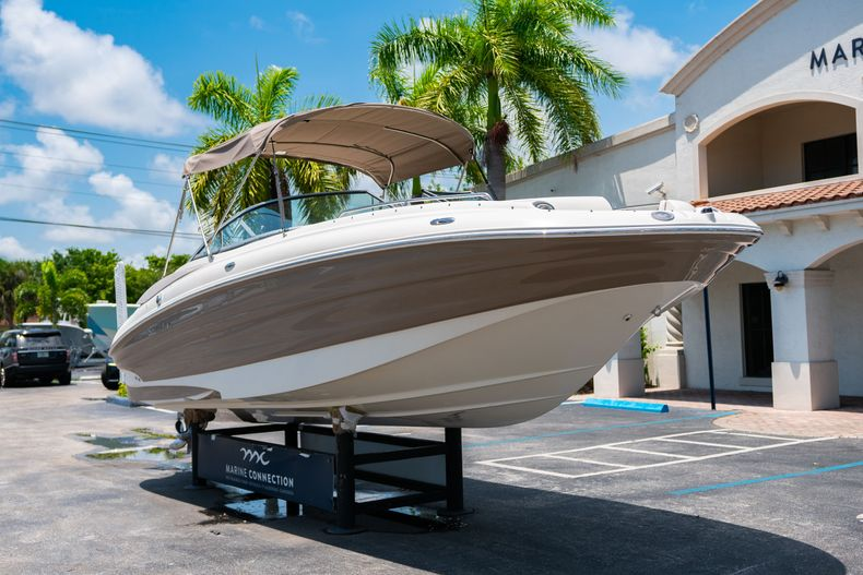 Thumbnail 1 for Used 2015 Southwind 2600SD Sportdeck boat for sale in West Palm Beach, FL