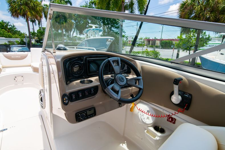 Thumbnail 25 for Used 2015 Southwind 2600SD Sportdeck boat for sale in West Palm Beach, FL