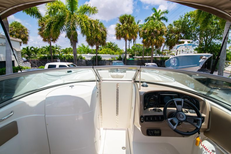 Thumbnail 33 for Used 2015 Southwind 2600SD Sportdeck boat for sale in West Palm Beach, FL
